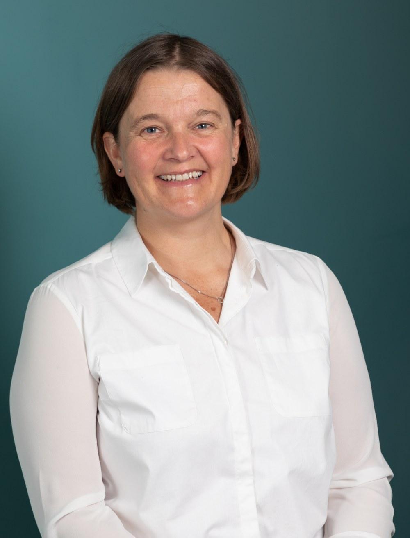 Dr Fay Davies